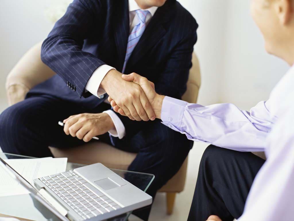 Можно ли рефинансировать кредит без поручителей и без справок физическим лицам?