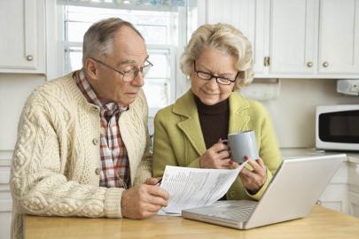 Как рефинансировать кредит пенсионеру - оформит ли банк, если возраст больше 70 лет?