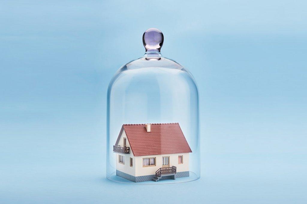 Титульное страхование квартиры при покупке - что это и обязательно ли его оформлять?